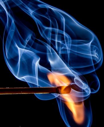 https://pixabay.com/en/fire-match-flame-sulfur-burn-545374/